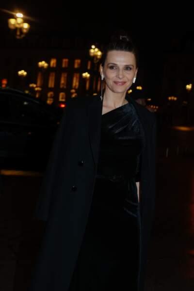Juliette Binoche, tout sourire