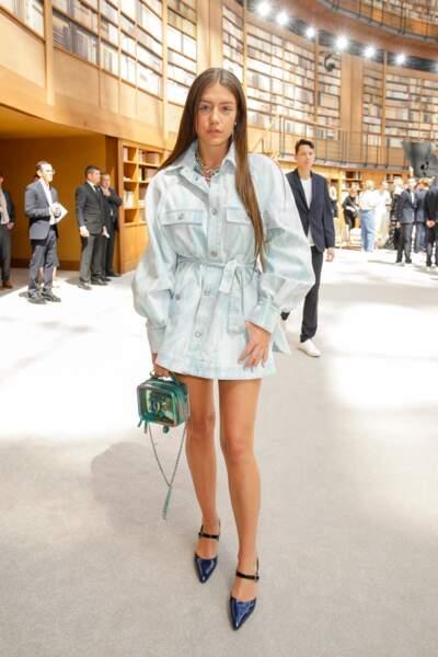 Adèle Exarchopoulos en robe courte et chevelure xxl