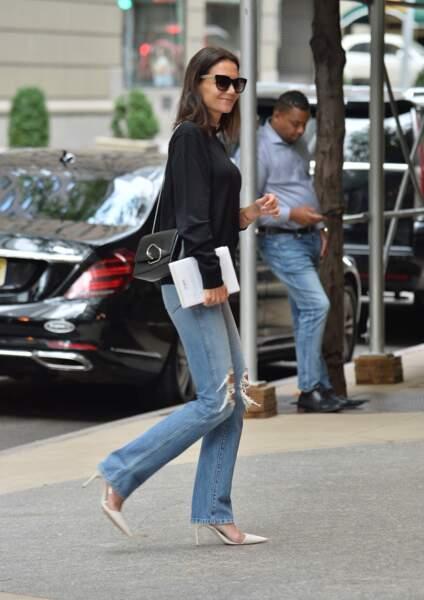 Katie Holmes, jean déchiré se balade dans les rues de New York, le 1er septembre 2019