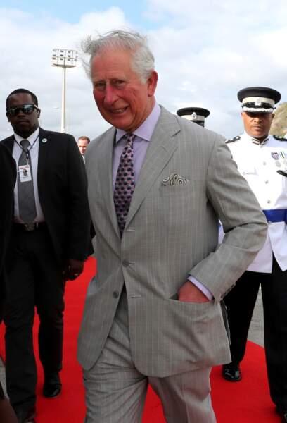 Le prince Charles débarque à Sainte-Lucie, première étape de sa tournée de 12 jours dans les Caraïbes.