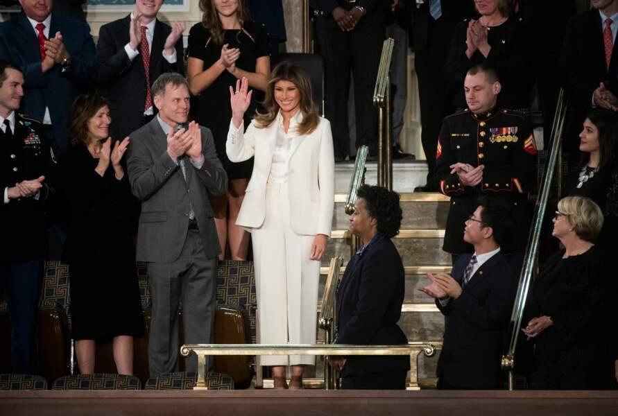 Melania Trump en tailleur pantalon blanc, au Congrès le 30 janvier 2018
