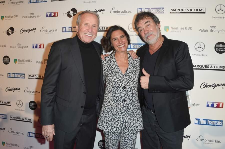 Alessandra Sublet, tout sourire, en compagnie d'Yves Renier et Olivier Marchal le 5 février