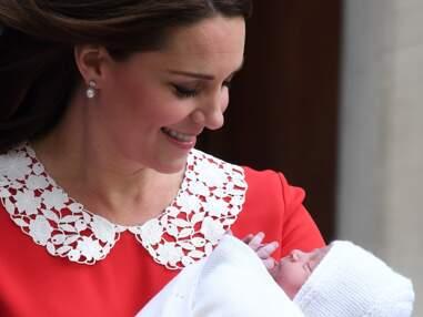 PHOTOS - Le royal baby 3 ressemble-t-il plus à son frère George ou à sa soeur Charlotte ?
