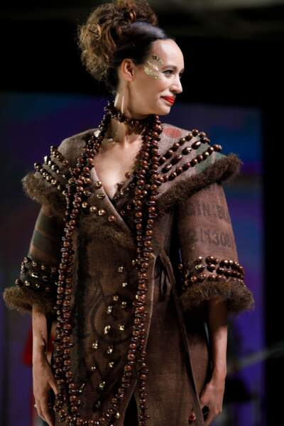 Nathalie Schraen-Giurma habillée par la maison Devernois & François Pralus et coiffée par Franck Provost