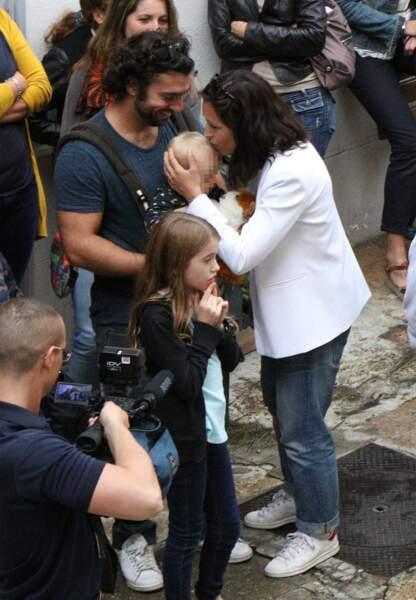 Natasha St-Pier et son époux prennent soin du petit Bixente