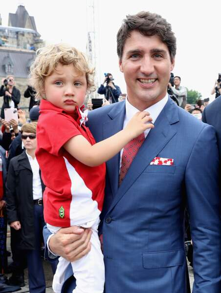 Justin Trudeau et son fils Hadrien, adorable avec ses bouclettes blondes