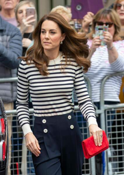 Kate Middleton change de look avec cette minaudière ultra flashy