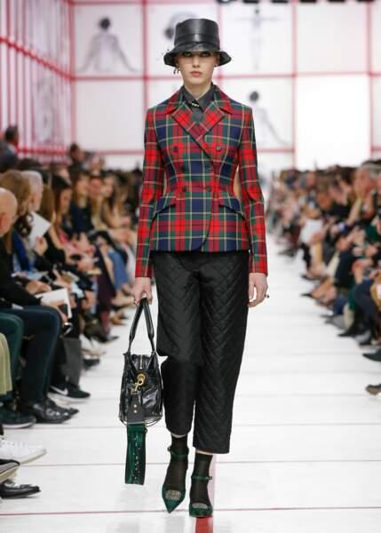 So British ! Chez Dior, le défilé Automne-Hiver 2019/2020 était inspiré de la mode anglaise.