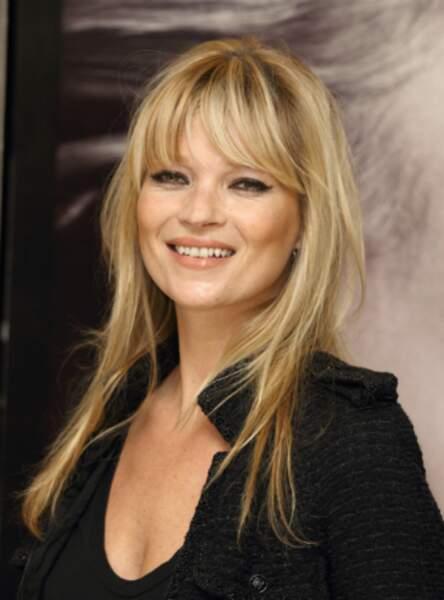 La frange blonde comme Kate Moss