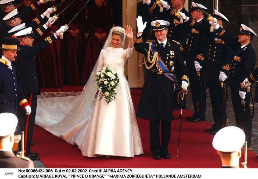 En 2002, Maxima (dans une robe Valentino en mikado de soie) épouse Willem Alexander des Pays-Bas à Amsterdam