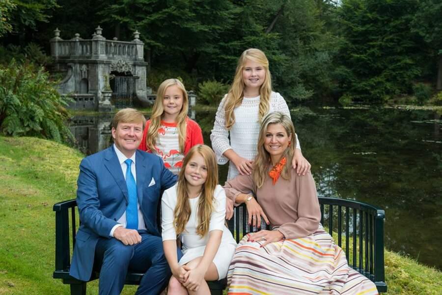 La famille royale des Pays-Bas. Le roi Willem-Alexander, la reine Maxima et leurs filles Catharine,Alexia et Ariane