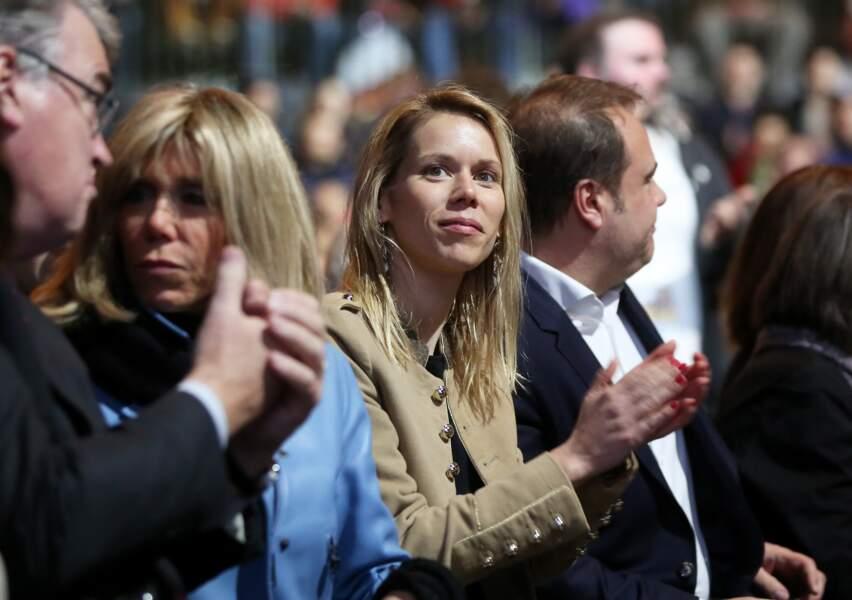 Brigitte Macron et sa fille avec Jean-Paul Delevoye, le Président du Conseil économique pour soutenir Macron