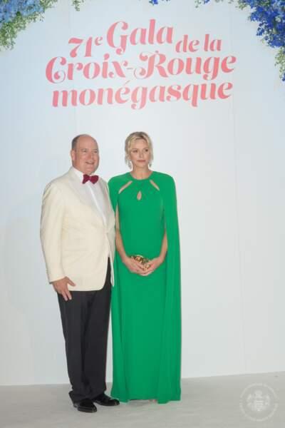 Charlene de Monaco était vêtue en Marchesa, tandis qu'Albert de Monaco portait un smoking