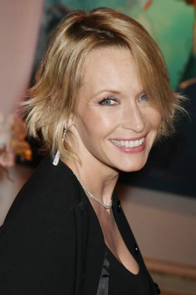 2008  :coupe courte et toujours blonde pour le dîner du Sidaction