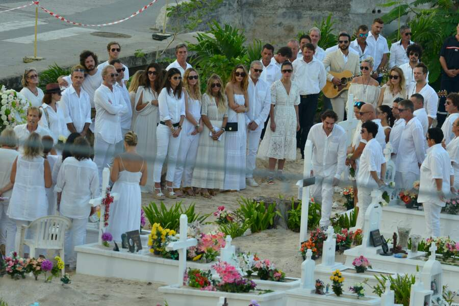 Obsèques de Johnny Hallyday à Saint Barth : Maxim Nucci et la chorale ont repris Love me tender