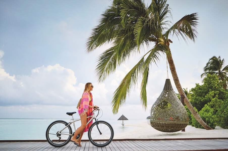 Des sports nautique à foison au LUX* SOUTH ARI ATOLL aux Maldives mais aussi du tennis, du vélo, du volley...