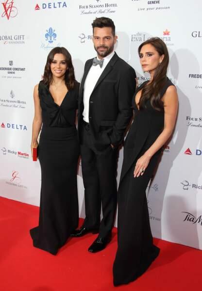 Eva Longoria et Victoria Beckham aux côtés de Ricky Martin