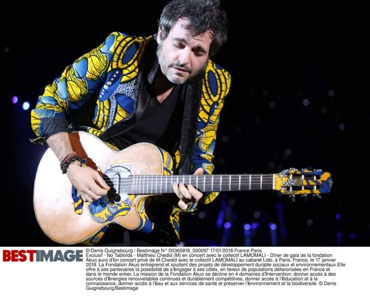 Matthieu Chedid (M) en concert avec le collectif LAMOMALI