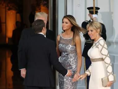PHOTOS- Brigitte Macron en robe de vestale face à Melania Trump en robe Chanel scintillante