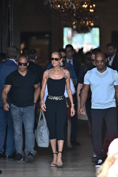 Avant son premier concert à Londres, le 5 juillet, Céline Dion compte assiste aux défilés parisiens haute couture