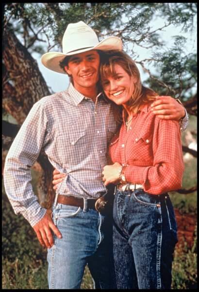 "Luke Perry et Cynthia Geary dans le film ""8 Seconds"" (1994)"