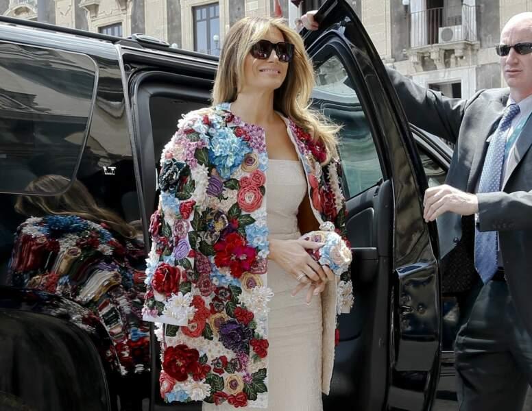 Le 26 mai 2017, Melania Trump s'affiche au G7 dans un luxueux manteau Dolce & Gabbana à 51 000 dollars