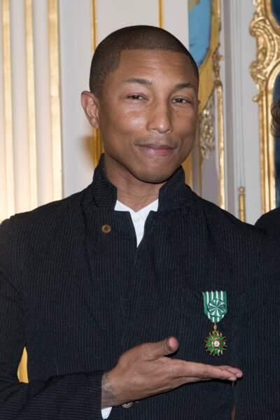 Pharrell Williams était fier d'avoir reçu la médaille d'officier de l'ordre des arts et des lettres.