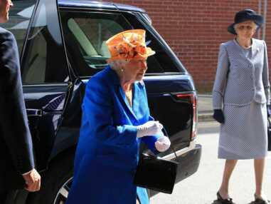 La reine Elizabeth II rend visite aux victimes de l'attentat de Manchester