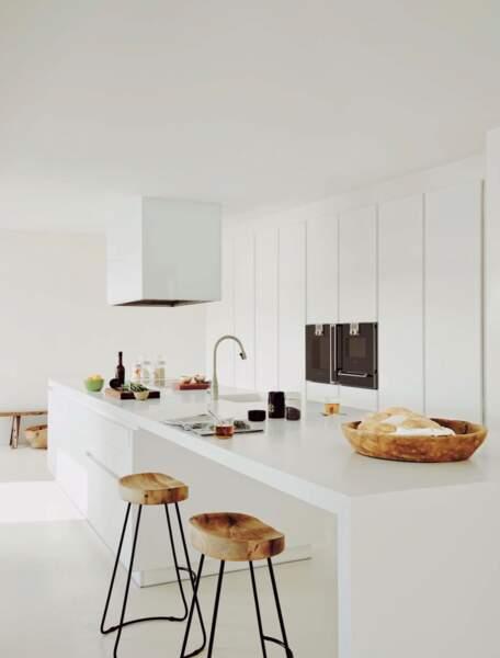 La demeure possède également une grande cuisine séparée