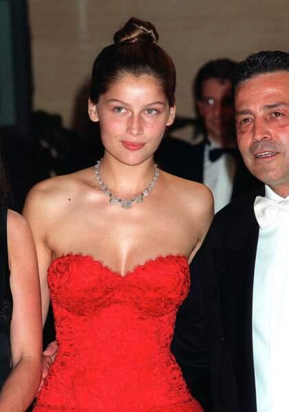 Laetitia Casta radieuse au bal de la Croix rouge à Monaco en 1999