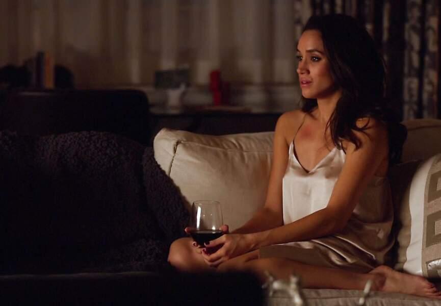 La petite amie du prince Harry, Meghan Markle, en tenue sexy dans la série Suits.