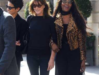 Carla Bruni et Naomi Campbell devant le Ritz