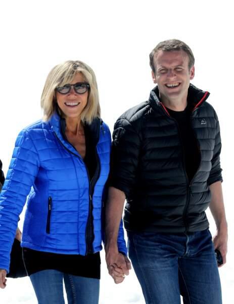 Pour Brigitte Macron, la doudoune, c'est à la montagne qu'elle se met !