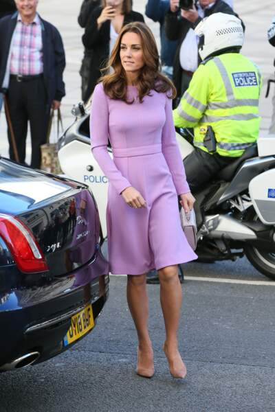 Kate Middleton n'a pas coupé ses cheveux mais joue sur une coloration pour changer de tête