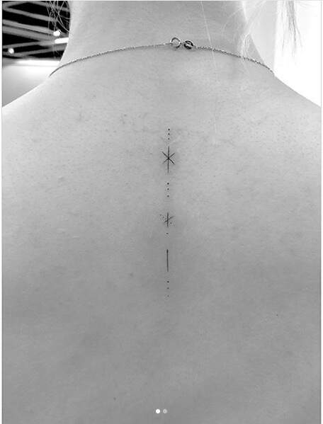 le tatouage dorsal de Sophie Turner, précurseur l'été 2018