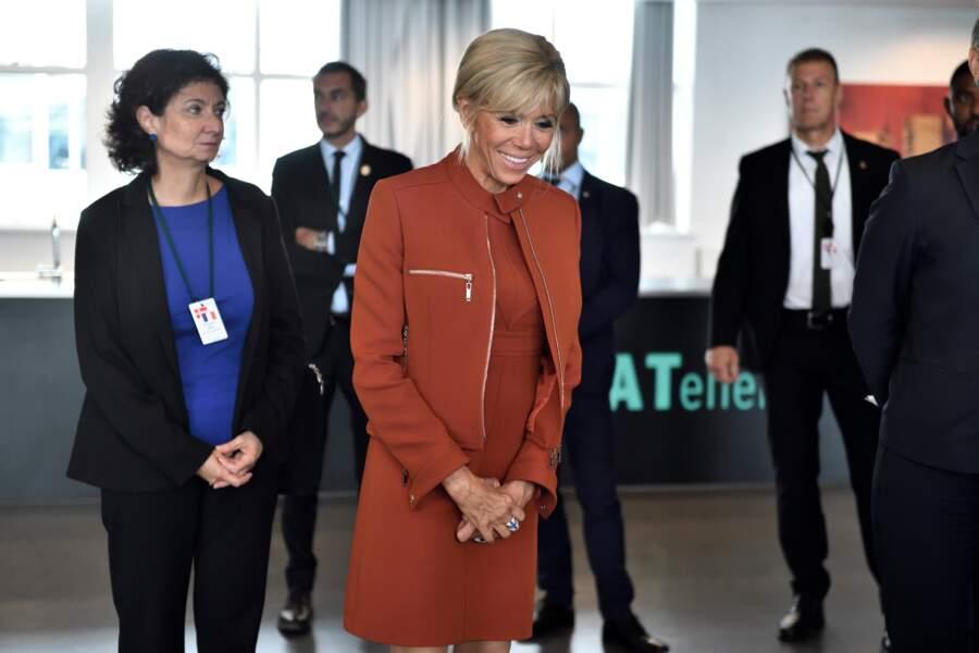 Brigitte Macron a retrouvé ses célèbres perfecto zippés