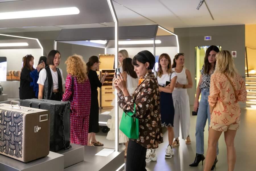 Après la visite des ateliers, la découverte se poursuit avec l'expo retraçant l'histoire du sac Louis Vuitton.