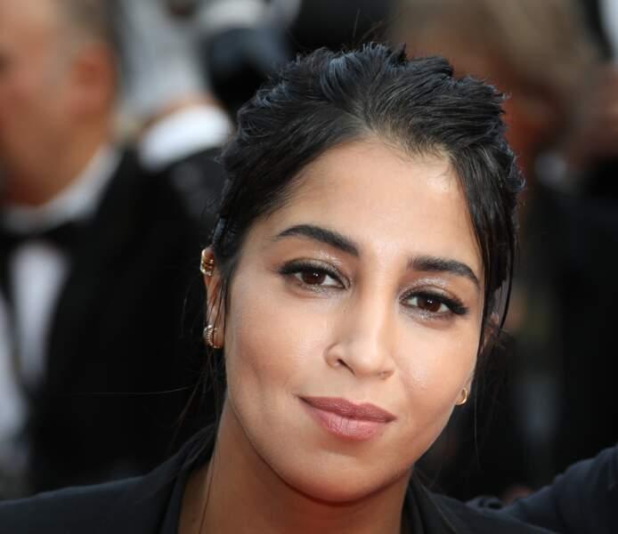 Wet look sexy pour Leila Bekhti accordé à un maquillage cristallin