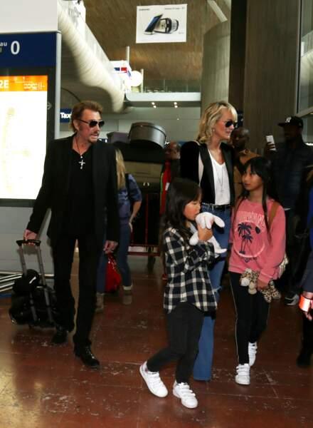 Johnny Hallyday avec sa femme Laeticia, ses enfants Jade et Joy ainsi que la Grand-mère de Laeticia Elyette Boudou