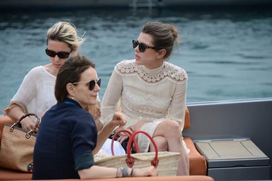 Plus calme que la route, Charlotte Casiraghi préfère la mer