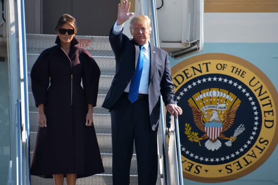 Melania Trump : manches bouffantes, zip chic pour un manteau parfait