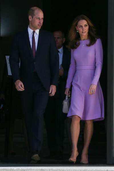 Kate Middleton et le prince William, recyclent leur tenue en duo