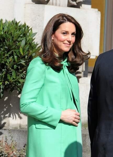 """Kate Middleton à la sortie de la """"Royal Society of Medicine"""" à Londres. Le 21 mars 2018"""