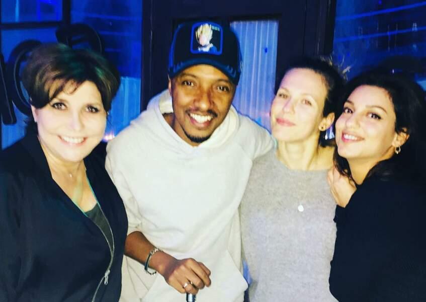 Liane Foly pose avec ses camarades Soprano, Lorie Pester et Tal