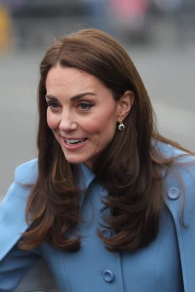 Chic et élégante, Kate Middleton lors de sa visite en Irlande du Nord, le 28 février 2019.