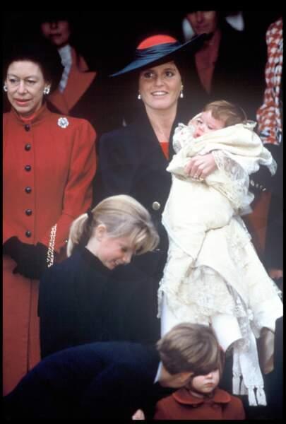 Baptême de la princesse Eugénie avec sa mère Sarah Ferguson à Sandringham le 23 décembre 1990