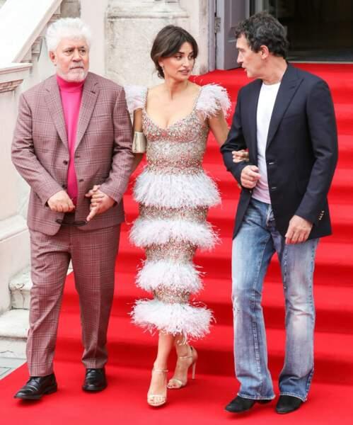 Pour cette avant-première, Penelope Cruz était accompagnée de Pedro Almodovar et Antonio Banderas