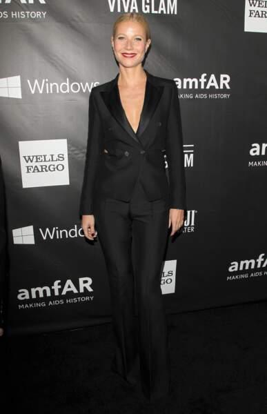 Gwyneth Paltrow, so chic en smoking