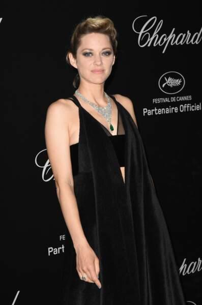 Marion Cotillard a quant à elle choisi une tenue beaucoup plus sobre