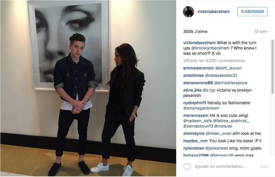 Victoria Beckham se moque du pantalon retroussé aux chevilles de son fils Brooklyn